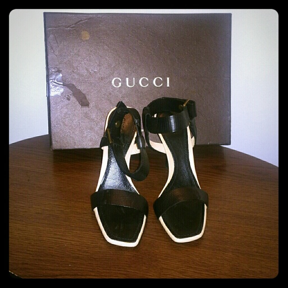 98e03cbab753 Gucci Black Leather Ankle strap Sandal